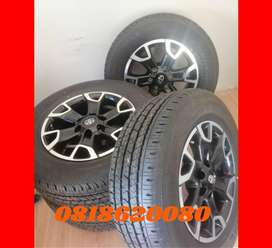 Toyota 18'' original Legend 50 mags and tyres