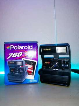 Vintage 1980s polariod camera (Working ) with original packaging