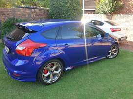 Ford focus st 4door