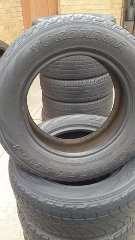 4 (set) of Yokoama Tyres, 235/60/16