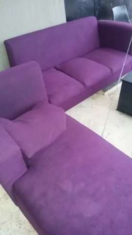 6seaters couch still like new for sale.