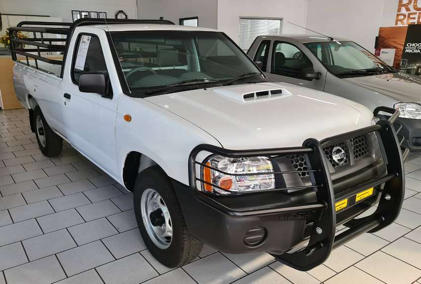 2020 NISSAN NP300 MID +A/C 0