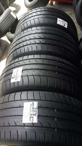 4 × 315 / 35 / 20 runflat Michelin tyres