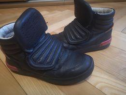 Кожаные сникерсы,ботинки демисезон для мальчика 29 размер