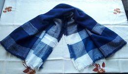Красивый новый шарф палантин