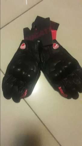 brand new Ducati gloves