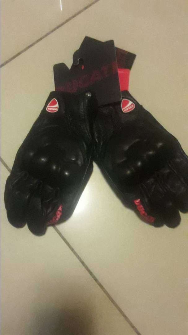brand new Ducati gloves 0