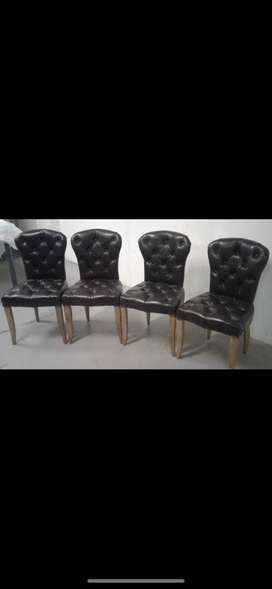 Weydlandts black leather chairs x4