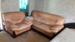 Офисный диван и два кресла