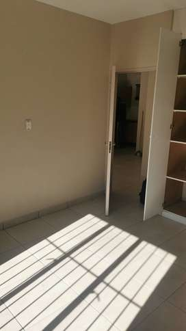 Ruimsig Palms Flat to let