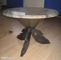 Stolik z blatem marmurowym ze spawaną artystycznie podstawą
