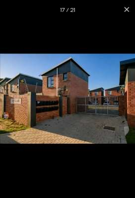 Duplex starter home for rental in Circular drive THE SQUARE complex