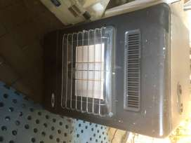 bauer gas heater and 9kg gas tank