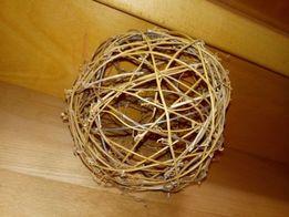 kula dekoracyjna wiklina z patyczków-gałązek