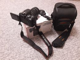 Продам зеркальный фотоаппарат Canon EOS 650D kit 18-135
