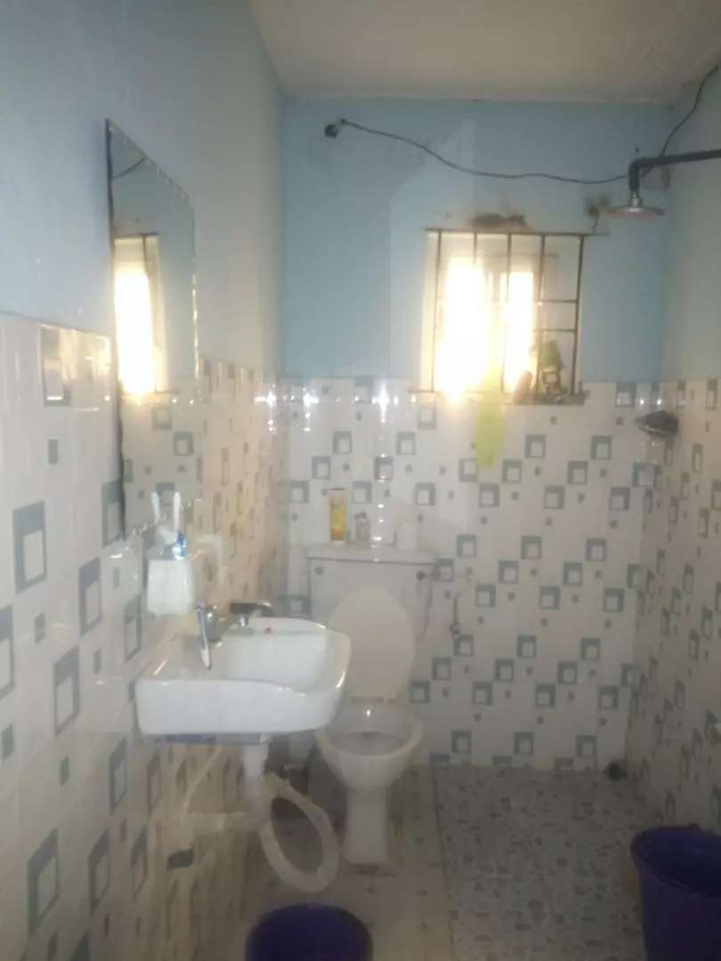 For Sale : A 4 bedroom flat in Maryland Estate , Maryland Lagos 0