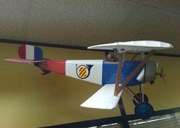 Модель-копия самолета Ньюпор-17