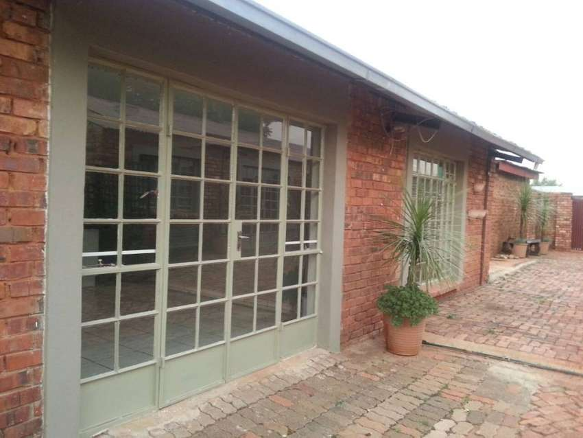 Large neat 1 bedroom garden cottage for rent 0