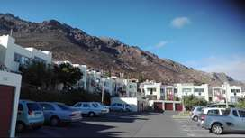 Lovely sea view flat in Gordons Bay for only R899000