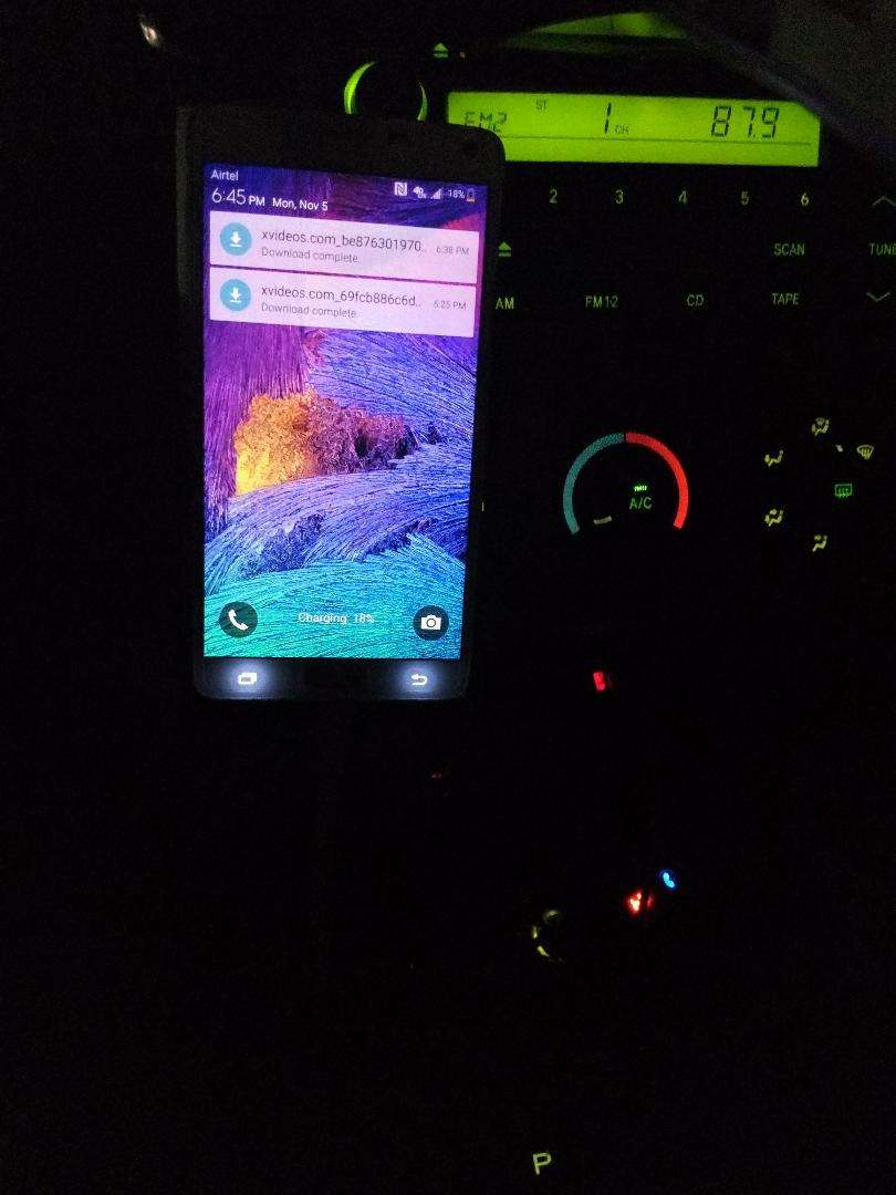Samsung Galaxy note 4, London use. Very much good. With double battery 0