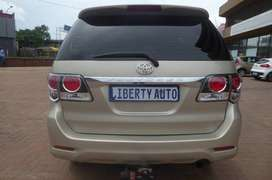 2015 Toyota Fortuner 3.0D4D SUV 80000km Family Car Manual LIBERTY AUTO