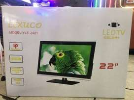 "LeXUCO 22"" LED TV + remote  (new)"