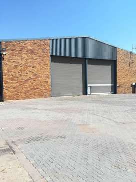22 000m2 transport yard with warehouse for rent