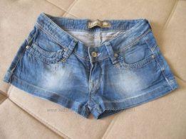 Продам симпатичные джинсовые шортики, объем талии 36 см