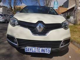 2015 Renault Captur 900 Table with leather seats