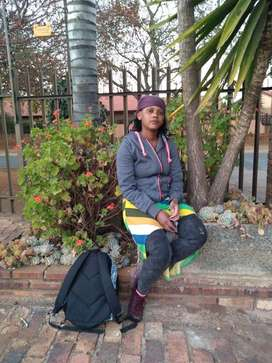 Zim maid,nanny with exp needs stay in or stay out work urgently