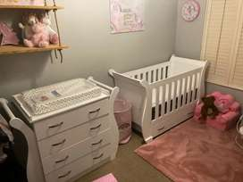 Baby cot beds and Compactum