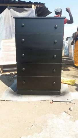Iam selling chest of drawers,kitchen cabets, wardrobes, TV stands etc