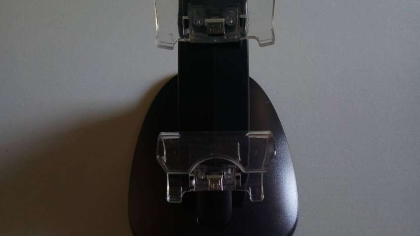 Xbox One Controller Charging Dock 0