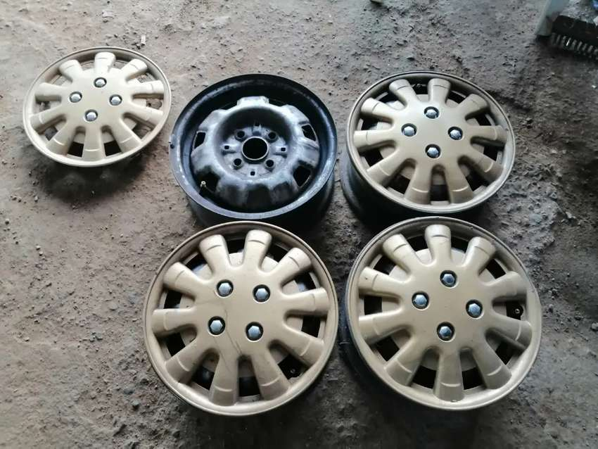 13inch standard rims with wheelcaps