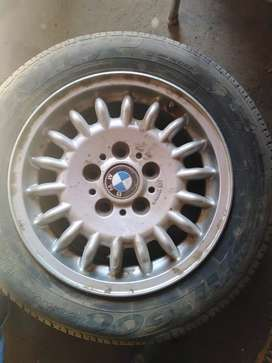Bmw E36 318is  rims for sale