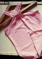 Розово-пудровая майка с кружевом