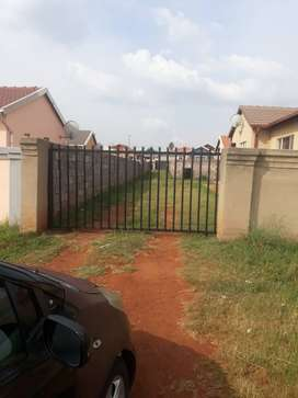 3 bedroomed house with csrport