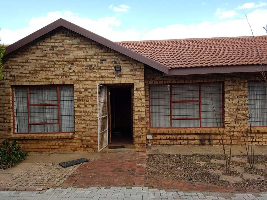 2 Student rooms in a beautiful furnished house near NWU Potchefstroom 0