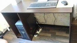 Продам книжный шкаф и письменный стол с тумбой