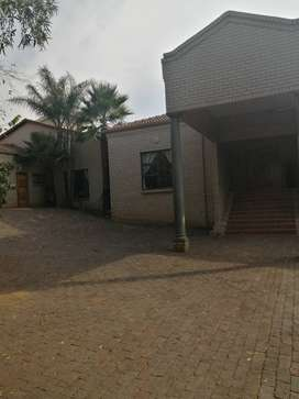 2 Bed House in Poortview (water and electricity included)
