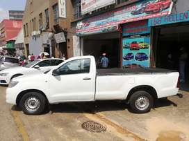 Toyota Hilux 2.7 VVTi single cab manual 2012 model for SELL