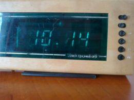 Продам настольные электронные часы «Электроника 6 14-03»