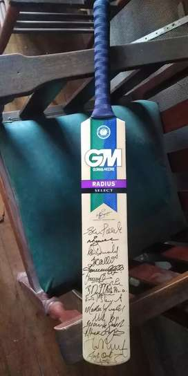 Signed 2002 GM cricket bat.