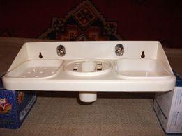 Полочка для ванной комнаты универсальная