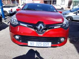 2015 Renault Clio (900 Turbo) With Service Book