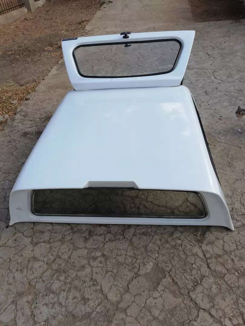 Ford Ranger T6/T7 Double cab Beekman canopy 0