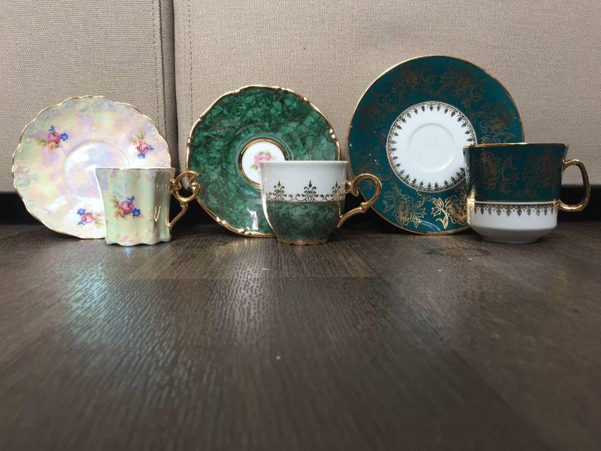 Porcelánové hrnečky s talířky 0