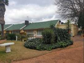 Benoni - Huge Potential smallholdings with 5 Houses & more.