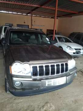 Stripping Jeep Grand Cherokee 5.7 V8 For Spares