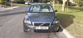Volvo S40 2.4i. Excellent condition. New clutch & Gearbox.